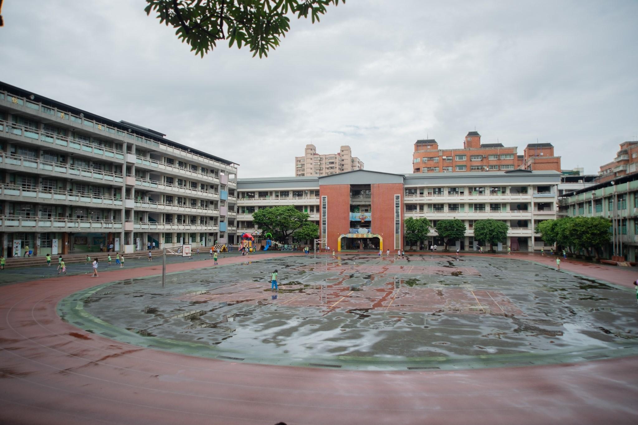 文林國小校園排水系統極待改善。